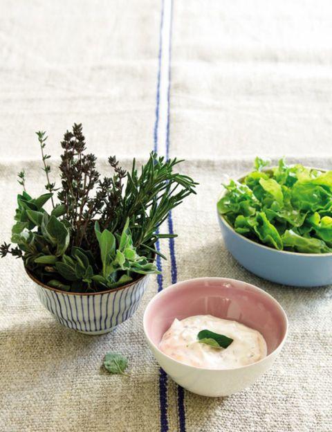 Ingredient, Leaf vegetable, Produce, Herb, Bowl, Vegetable, Flowerpot, Fines herbes, Annual plant, Ceramic,