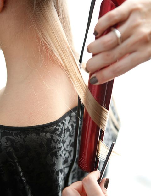 Finger, Hand, Musical instrument accessory, Nail, String instrument accessory, Thumb, Back, Long hair, Blond, String instrument,