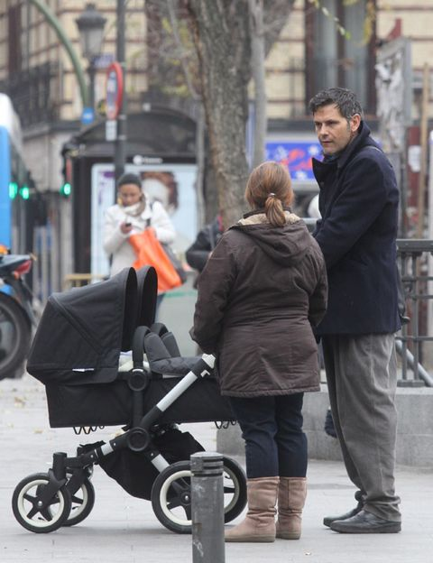 Wheel, Product, Trousers, Jacket, Outerwear, Coat, Baby carriage, Jeans, Street, Street fashion,