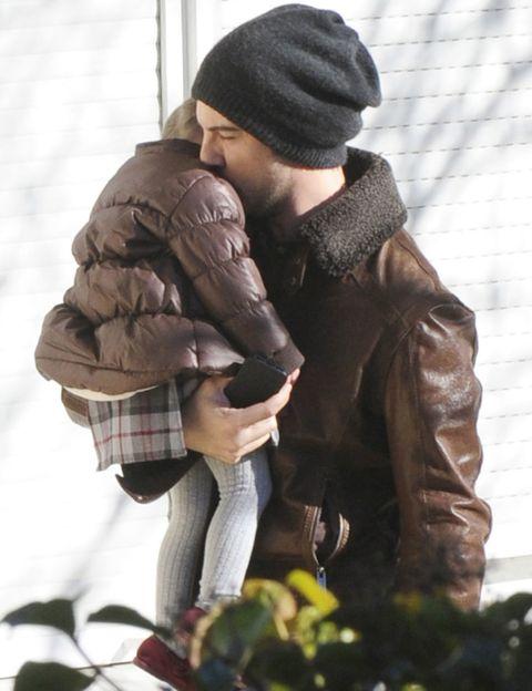 Winter, Cap, Textile, Interaction, Jacket, Wool, Beanie, Knit cap, Street fashion, Bonnet,