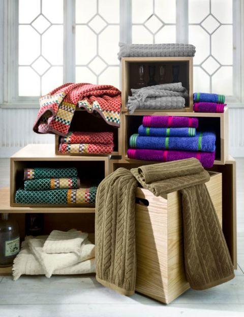 Textile, Cushion, Linens, Throw pillow, Woolen,