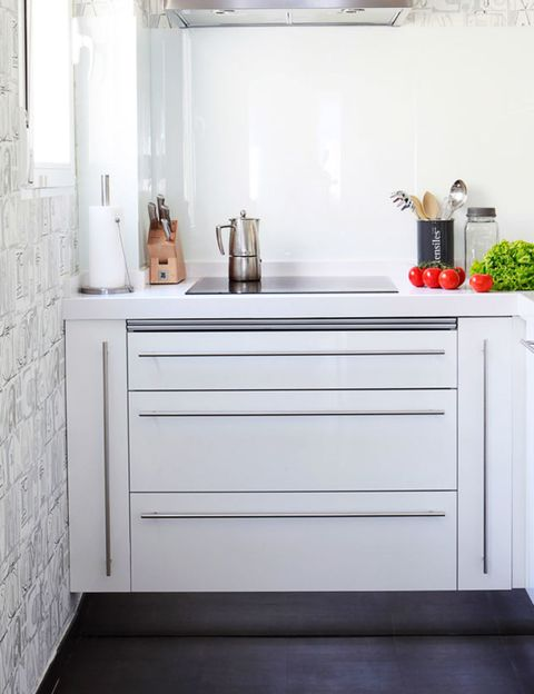 Room, Floor, Wall, Cabinetry, Grey, Handle, Household hardware, Drawer, Material property, Countertop,