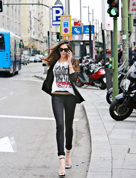 Clothing, Eyewear, Trousers, Motorcycle, Land vehicle, Outerwear, Street, Style, Street fashion, Traffic light,