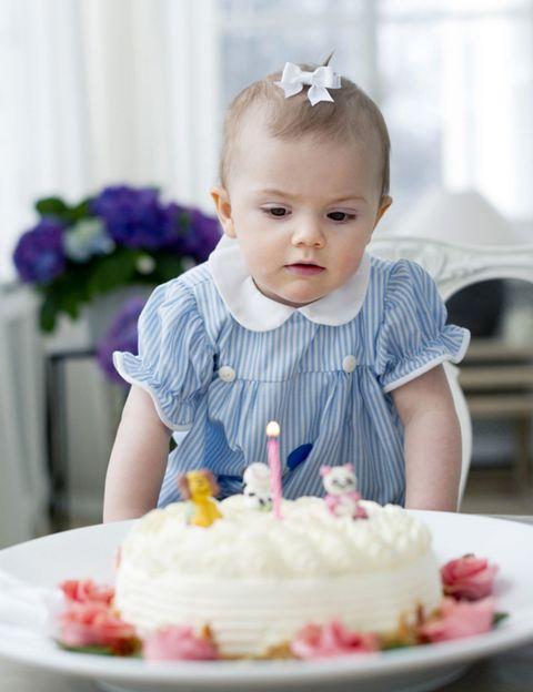 Sweetness, Cake, Food, Dessert, Ingredient, Baked goods, Cake decorating, Birthday candle, Cake decorating supply, Cuisine,