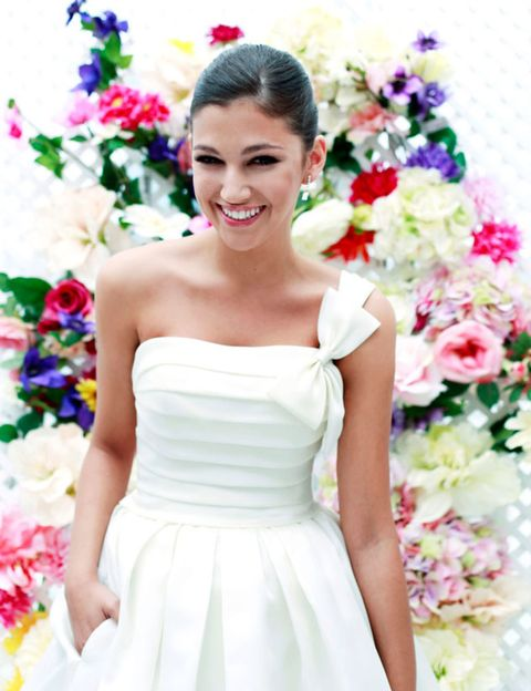 Clothing, Petal, Sleeve, Dress, Shoulder, Bridal clothing, Textile, Photograph, White, Flower,