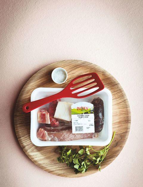 Ingredient, Produce, Dishware, Herb, Vegetable, Fruit,