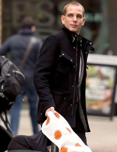 Jacket, Street fashion, Bag, Overcoat, Top, Pocket, Glove, Leather,