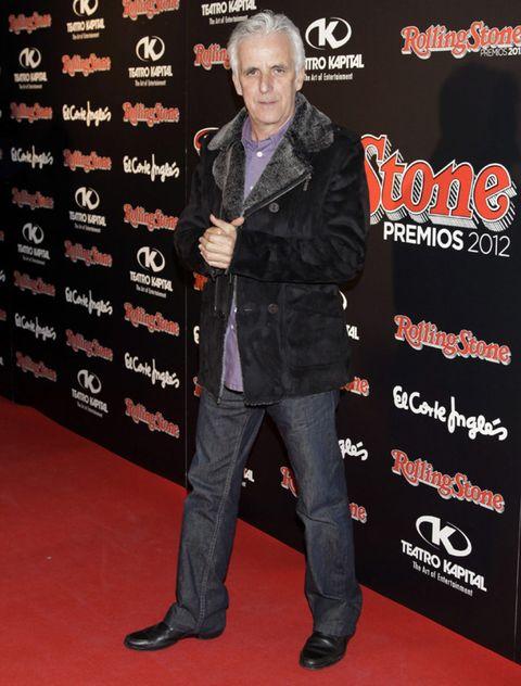 Shoe, Jacket, Flooring, Denim, Carpet, Premiere, Pocket, Dress shoe, Leather, Leather jacket,