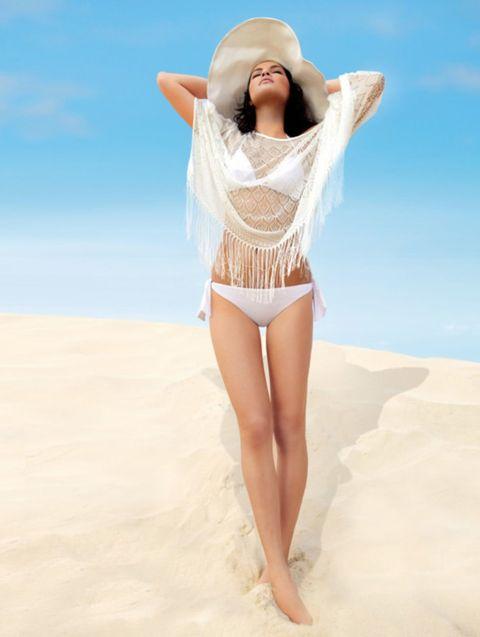 Skin, Sand, Hat, Human leg, Landscape, People in nature, Summer, Waist, Beauty, Sun hat,