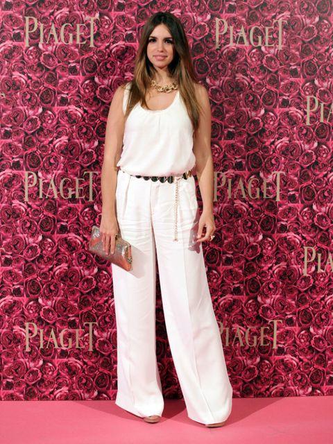 Red, Textile, Pink, Style, Magenta, Waist, Fashion model, Maroon, Street fashion, Model,