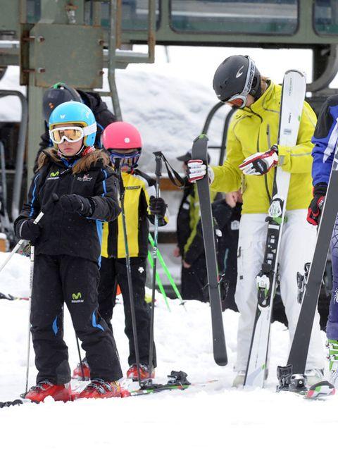Winter, Recreation, Sports equipment, Winter sport, Ski, Personal protective equipment, Outerwear, Snow, Ski Equipment, Jacket,