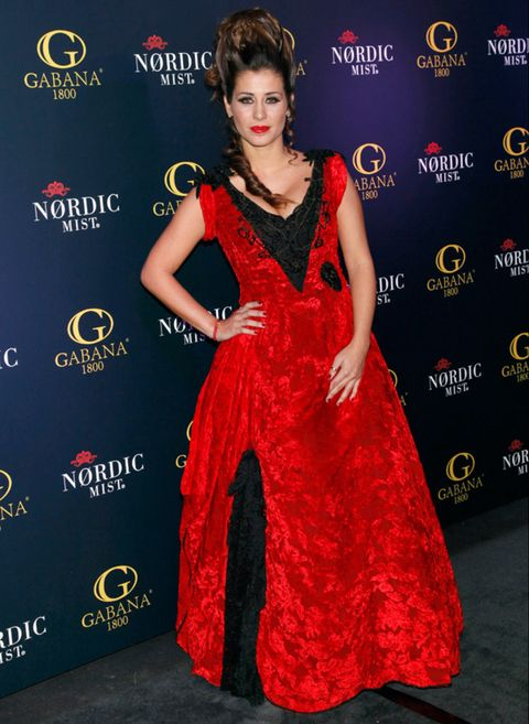 Clothing, Dress, Flooring, Red, Premiere, Style, One-piece garment, Fashion model, Eyelash, Fashion,