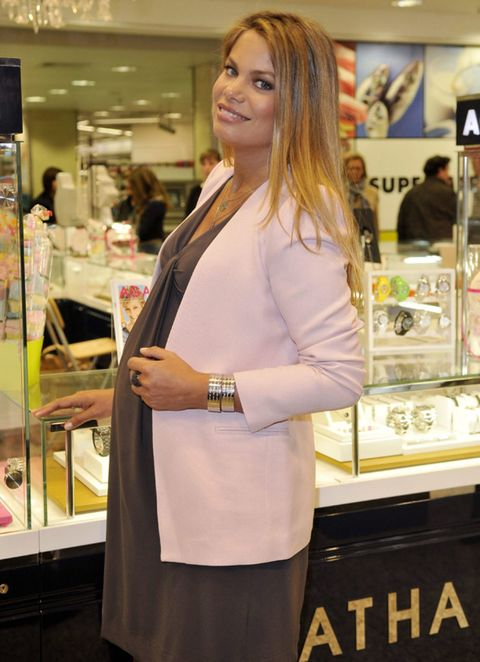 Customer, Service, Long hair, Blond, Layered hair, Brown hair, Makeover, Watch, Retail, Display case,