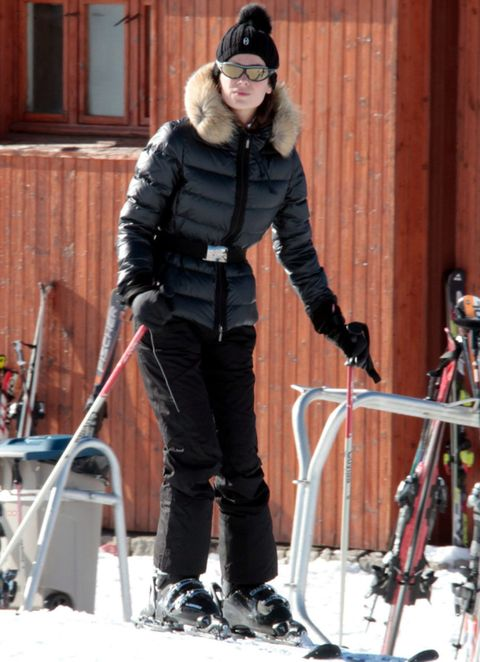 Winter, Jacket, Microphone stand, Ski Equipment, Snow, Ski pole, Ski, Winter sport, Snowshoe, Downhill ski binding,