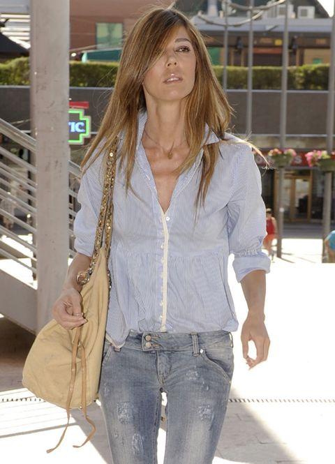 Brown, Sleeve, Denim, Textile, Jeans, Pocket, Style, Bag, Street fashion, Khaki,