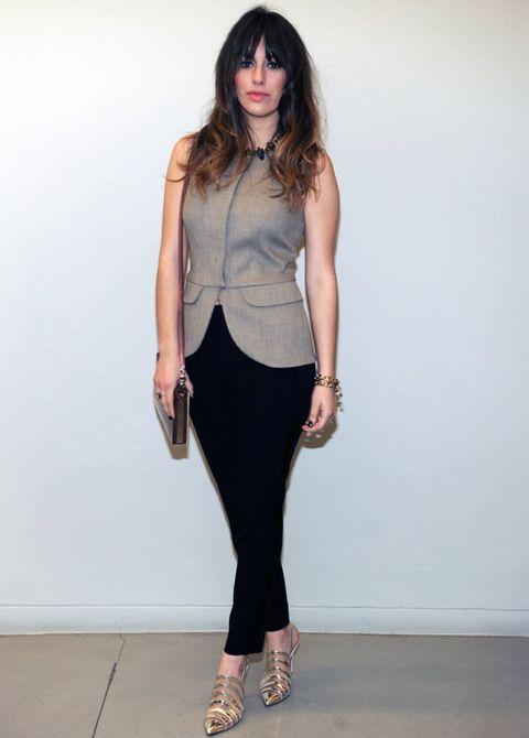 Brown, Sleeve, Shoulder, Human leg, Joint, Fashion accessory, Style, Waist, Collar, Knee,