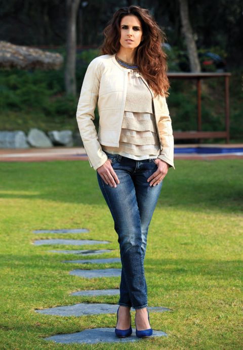 Clothing, Leg, Sleeve, Denim, Trousers, Jeans, Textile, Outerwear, Style, Street fashion,