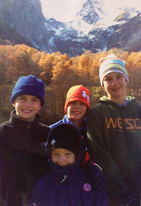 Clothing, Face, Winter, Nose, Smile, People, Fun, Mountainous landforms, Social group, Happy,