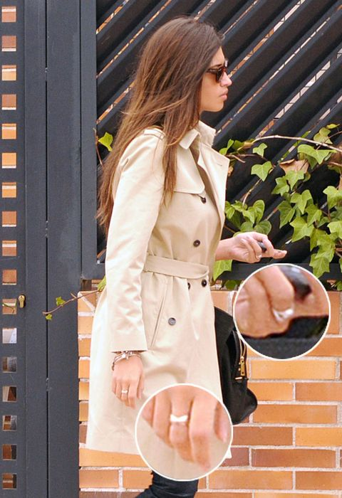 Sleeve, Collar, Coat, Outerwear, Style, Street fashion, Blazer, Overcoat, Trench coat, Button,