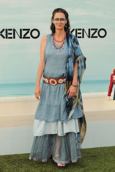 Textile, Style, Jewellery, Fashion accessory, Fashion, Bag, Street fashion, Fashion model, Luggage and bags, Model,