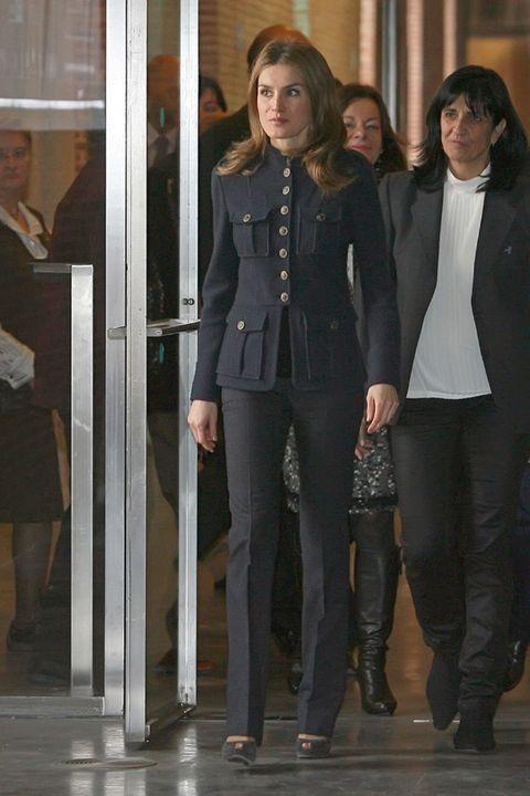 Leg, Joint, Outerwear, Style, Fashion, Thigh, Tights, Street fashion, Leather, Waist,