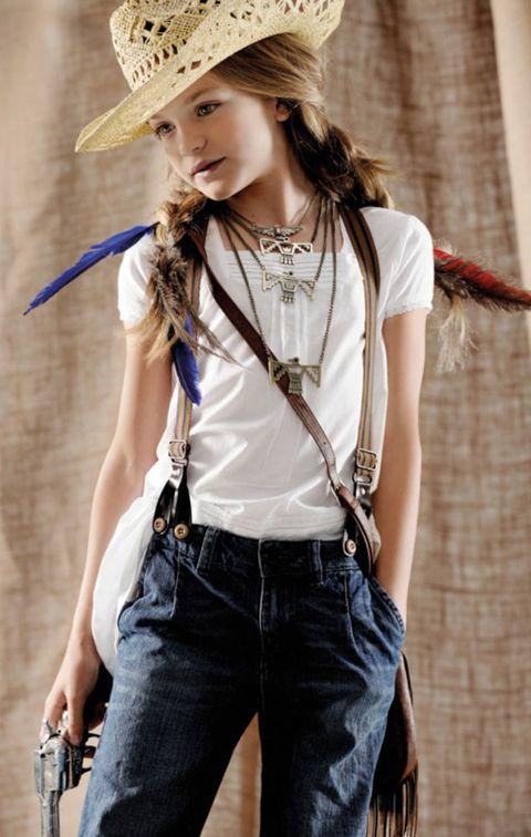 Clothing, Denim, Trousers, Jeans, Shoulder, Hat, Textile, Waist, Fashion accessory, Street fashion,