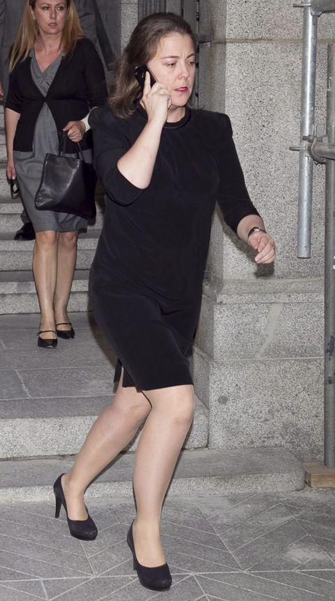 Clothing, Leg, Human leg, Dress, Joint, Style, Formal wear, Little black dress, Thigh, Fashion,