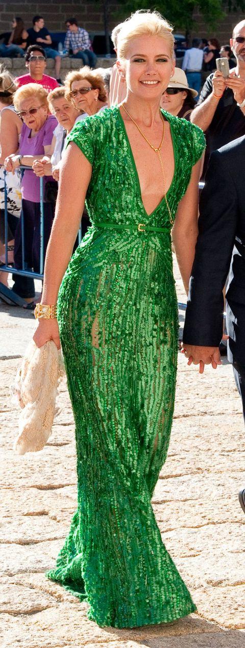 Green, Textile, Formal wear, Style, Dress, Fashion, Waist, One-piece garment, Day dress, Street fashion,