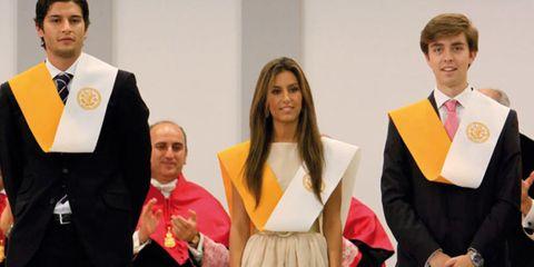Collar, Dress shirt, Formal wear, Fashion, Ceremony, Award ceremony, Blazer, White-collar worker, Tuxedo, Bow tie,