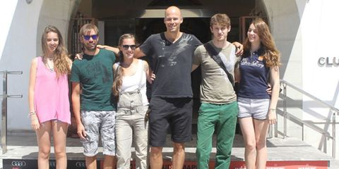 Leg, Smile, Fun, Social group, T-shirt, Shorts, Summer, Thigh, Fashion, Travel,