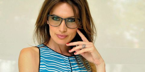 Clothing, Eyewear, Glasses, Vision care, Finger, Hairstyle, Shoulder, Joint, Sleeveless shirt, Street fashion,