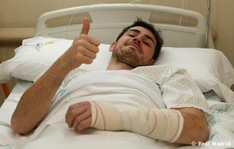 Comfort, Finger, Skin, Textile, Room, Linens, Bedding, Bed, Muscle, Hospital bed,