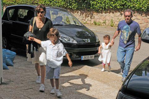 Land vehicle, Vehicle, Car, Automotive exterior, Vehicle door, Family car, Sunglasses, Bumper, Hatchback, Luxury vehicle,