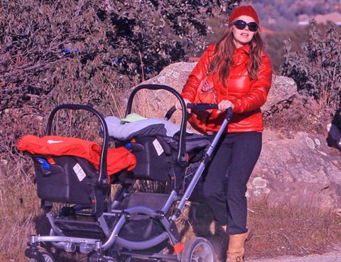 Product, Goggles, Red, Sunglasses, Baby Products, Baby carriage, Bag, Red hair, Rolling, Active pants,