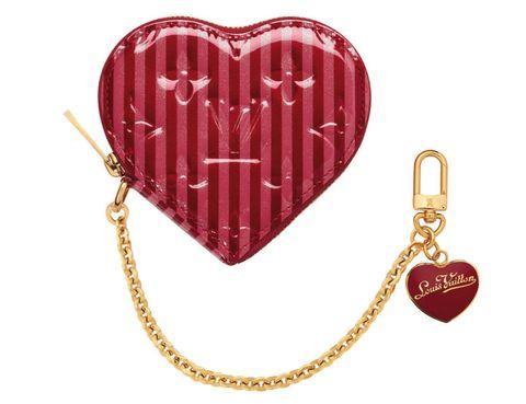 Text, Red, Heart, Font, Organ, Carmine, Symbol, Love, Guitar accessory, Chain,