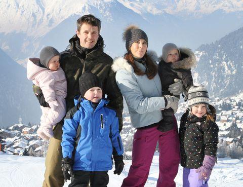 Clothing, Face, Winter, Human, People, Jacket, Trousers, Mountainous landforms, Snow, Mammal,