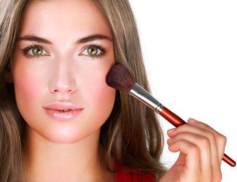 Lip, Cheek, Brown, Hairstyle, Skin, Chin, Eyelash, Eyebrow, Beauty, Eye shadow,
