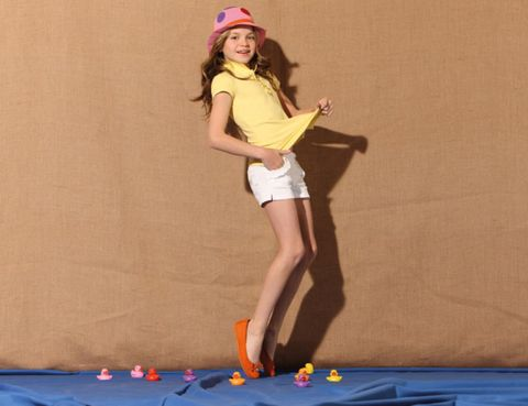 Fun, Human leg, Human body, Entertainment, Textile, Joint, Elbow, Performing arts, Knee, Majorelle blue,