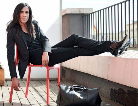 Clothing, Leg, Human leg, Sitting, Style, Knee, Beauty, Thigh, Fashion, Street fashion,