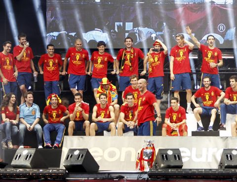 Team, Competition event, Championship, Competition, Stage equipment, Crew, Fan, Laptop, heater, Podium,