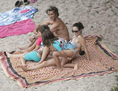 Human, Leg, Fun, Human body, Sand, Mammal, Leisure, Summer, Toe, Barefoot,