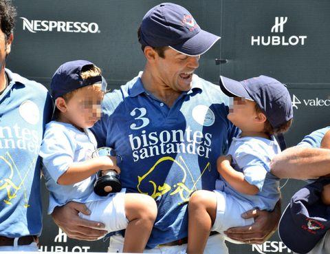 Cap, Arm, Sports uniform, Product, Jersey, Hat, Sportswear, Baseball cap, Baseball uniform, Uniform,