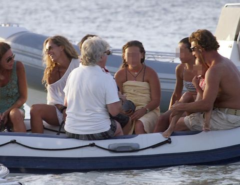 Fun, Recreation, Watercraft, Summer, Outdoor recreation, Boat, Vacation, Skiff, Boating, Barechested,
