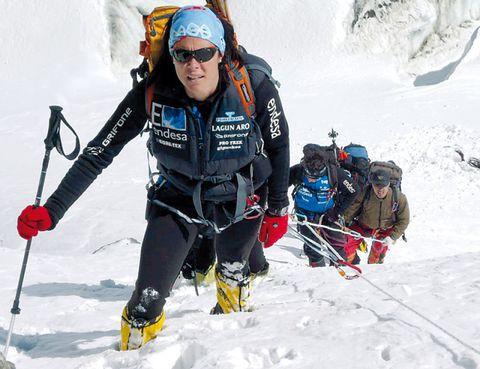 Eyewear, Goggles, Recreation, Winter sport, Winter, Snow, Outdoor recreation, Personal protective equipment, Ski Equipment, Sports,