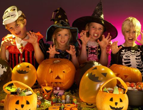 Face, Calabaza, Squash, Hat, Produce, Vegetable, Local food, Orange, Pumpkin, Witch hat,