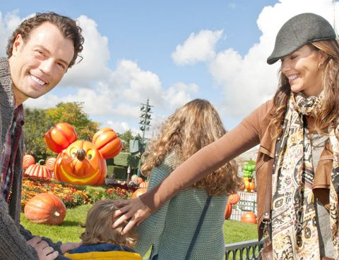 Cap, Squash, Calabaza, Produce, Vegetable, Natural foods, People in nature, Pumpkin, Whole food, Winter squash,