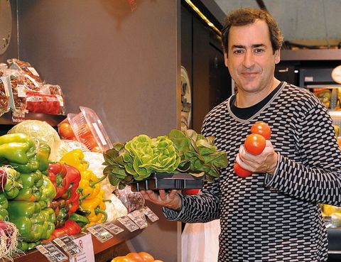 Local food, Produce, Food, Whole food, Natural foods, Vegan nutrition, Leaf vegetable, Vegetable, Food group, Ingredient,