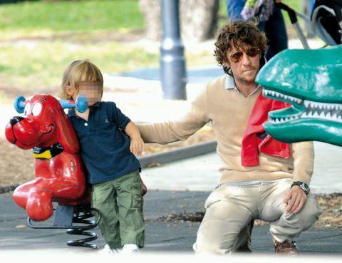 Human, Human body, Hand, Carmine, Toy, Goggles, Play, Playing with kids, Figurine,