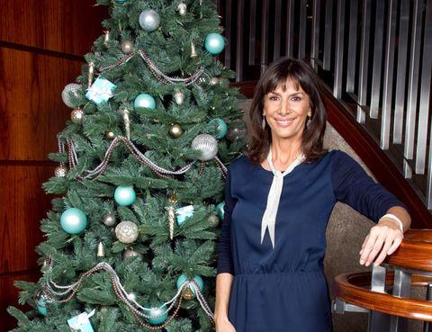 Christmas decoration, Christmas tree, Christmas ornament, Winter, Interior design, Holiday, Interior design, Organ, Christmas, Ornament,