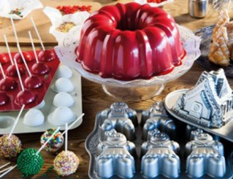 Produce, Sweetness, Ingredient, Collection, Natural material, Dessert, Dishware, Craft, Creative arts, Serveware,